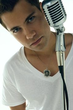 drew seeley....one cradle I wouldn't mind rockin'!