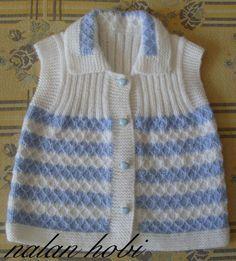 Season ' s trendiest Baby Cardigan Vest tricô modelos Baby Cardigan, Cardigan Bebe, Baby Pullover, Crochet For Kids, Crochet Baby, Knit Crochet, Beginner Knitting Projects, Knitting For Beginners, Easy Knitting