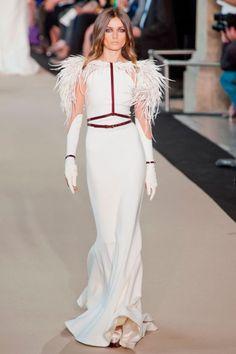 Stephane Rolland Fashion-Not crazy bout the feathers, still a pretty dress. Love da shoulders