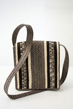 Bolso hecho a mano con caña flecha Handmade bag with cane arrow
