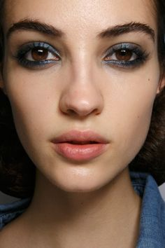 21 Absolutely Stunning Beauty Looks from Paris Fashion Week   StyleCaster