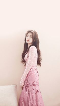 Suzy Pls follow