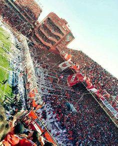 Estadio Libertadores de América Football Stadiums, Football Season, Soccer Kits, Football Outfits, International Football, Arsenal Fc, Lionel Messi, National League, City Photo