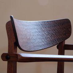 Backrest detail. 迷わず大胆に彫るべし