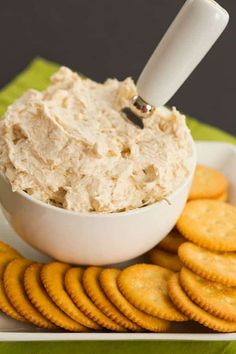 Cream Cheese Chicken, Cream Cheese Recipes, Canned Chicken, Healthy Fast Food Options, Healthy Dessert Recipes, Appetizer Recipes, Chicken Appetizers, Healthy Food, Chicken Sandwich Spread