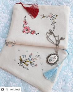 So mole elegance. Embroidery Stitches Tutorial, Hand Embroidery Designs, Embroidery Patterns, Cross Stitch Patterns, Make Up Tutorial Contouring, Pixel Pattern, Pouch Pattern, Embroidery Bags, Boho Bags