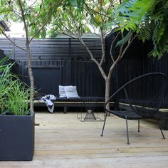 Summer style!! Contemporary Black, white and green! Landscape and outdoor decor! Modern minimal and sleek with clean lines deck terrace. H A V E R U M M E T