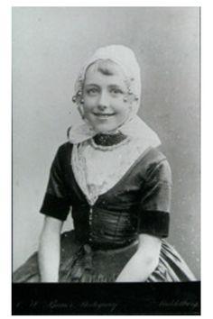 Meisje in Walcherse dracht 1895