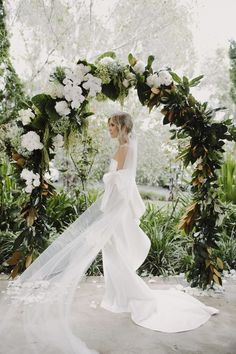 Real Wedding / Ceremony Arches / Garden Wedding / Justin Aaron Photography