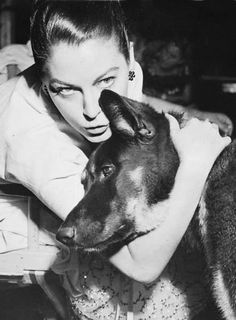 ava-et-liz: Ava Gardner with her pet German Shepherd given to her by Howard Hughes. Old Hollywood Stars, Old Hollywood Glamour, Classic Hollywood, Ava Gardner Photos, Night Of The Iguana, Show Boat, Howard Hughes, German Shepherd Dogs, German Shepherds