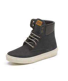 """ZERUM - """"Der ökologischste Schuh""""  Natural World hat seinen Produktionsprozess darauf ausgerichtet die Natur und seine Umwelt zu respektieren und zu schützen."""