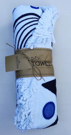 popsugar-LE-Summer-2016-towel-packaging The Chesterman circle towel by Tofino Towel Co – Value $74.99 Creative Gift Wrapping, Creative Gifts, Subscription Boxes, Bearpaw Boots, Popsugar, Summer 2016, Beach Towel, Must Haves, Press Kits