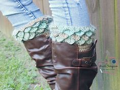 Crochet_boot_cuffs_2_small2