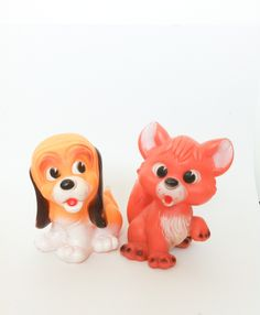 The Fox and the Hound. Flea market Vienna. Vintage Squeaky toy. Ledraplastic 80's #vintagetoys #rubbertoys