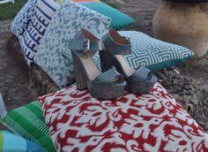 Sandalia tacón color plomo. Para las más atrevidas!