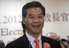 El jefe de gobierno electo de Hong Kong, Leung Chun-ying, afirmó hoy que su Ejecutivo no imitará la política económica de China y que su prioridad será la de conseguir que el crecimiento de empleo sea el eje conductor de la economía en la ex colonia británica. Ver más en: http://www.elpopular.com.ec/48746-el-nuevo-gobierno-de-hong-kong-no-seguira-modelo-economico-chino-dice-leung.html?preview=true