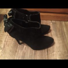 Black heels size 9! Black heels only worn a handful of times. Normal wear on heels! Good condition! Shoes Heeled Boots
