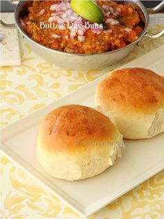 Bombay Pav bhaji – Indian street foods Pinned it, tried it: Good, needed to up the spice amount. Husband loved the rolls. Gujarati Recipes, Indian Food Recipes, Ramzan Recipe, Veggie Recipes, Cooking Recipes, Pav Bhaji, Indian Street Food, Evening Snacks, Indian Snacks
