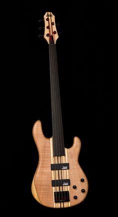 Mørch Bass Guitar beige/wood and black