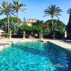 Jetzt wird es wunderbar und traumhaft...  Wenn ihr Ruhe, Entspannung, Stil, Design, gutes Essen und leckere Weine mögt, dann ist das CAL REIET HOLISTIC RETREAT in Santanyi auf Mallorca genau richtig. Das Cal Reiet ist ein großzügiges vor einem Jahr umgebaut und renoviertes Herrenhaus, in dem 15 Leute Platz finden.   #CalReiet #Mallorca #Meditation #Santanyi #Wellness #Yoga