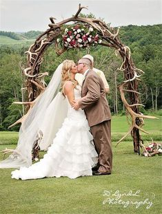 Gorgeous couple, flowing, romantic veil with rustic outdoor archway. Antler Wedding Decor, Hunting Wedding, Deer Wedding, Wedding Cake Rustic, Elegant Wedding, Rustic Wedding Arches, Fall Wedding, Camo Wedding Cakes, Plaid Wedding