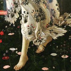 La Primavera, Botticelli, c. 1477-78 Renaissance Portraits, Renaissance Paintings, Primavera Botticelli, Rennaissance Art, Art Timeline, A Level Art, Motif Floral, Sandro, New Art