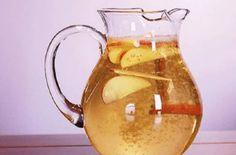 Apple Cinnamon Water, Cinnamon Apples, Apple Water, Cinnamon Sticks, Weight Loss Drinks, Best Weight Loss, Detox Drinks, Healthy Drinks, Healthy Foods