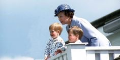 Her Majesty Queen Elizabeth II with Prince William and Prince Harry. Great family photo of the Windsors. Prince William And Harry, Prince Henry, Prince Charles, Caroline Flack, Harry Birthday, 90th Birthday, Reine Victoria, Eugenie Of York, Photos Of Prince