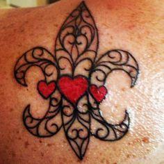 Fleur de Lis Tattoo.... Love my newest tattoo!