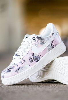 best service 49dbc b0f8d Les nouvelles Nike Air Max 1 fleuries sont là 🌸🌸 Baskets Nike Air Force 1