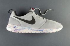 an-exclusive-look-at-the-nike-roshe-run-qs-marble-pack-1