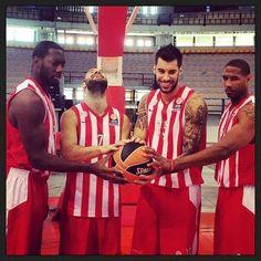 olympiakos players