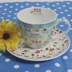 Για τον καφέ ή το τσάι δύο φλυτζάνια με τα πιατάκια τους, με floral σχέδια, από φίνα πορσελάνη, σε γαλάζια απόχρωση. Χωρητικότητα: 200ml Cups, Tableware, Mugs, Dinnerware, Tablewares, Dishes, Place Settings
