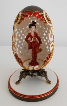 Geisha in red Magnum Chocolate, Types Of Eggs, Carved Eggs, Egg Crafts, Faberge Eggs, Fairytale Art, Egg Art, Egg Decorating, Egg Shells