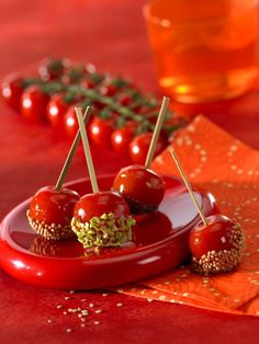 cherry tomatoes surprise- in french so needs to be translated Appetizer Recipes, Snack Recipes, Appetizers, Snacks, Cherry Tomatoes, Cooking Time, Finger Foods, Food Inspiration, Love Food