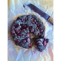 Paleo cukkinis, meggyes süti