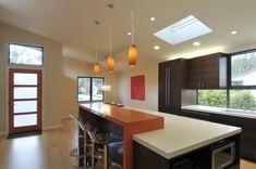 9 Incredible Kitchen Bar Design Ideas For Inspiration Raised Kitchen Island, Kitchen Bar Counter, Country Kitchen Island, Kitchen Bar Design, New Kitchen Designs, Sink Design, Kitchen Ideas, Kitchen Cupboards, Counter Tops