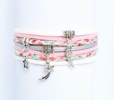 Bracelet liberty romantique - tissu imprimé fleurs et suédine - rose tendre blanc argenté - breloques - femme : Bracelet par distenget