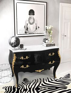 Beautiful Baroque Louis XV style lacquered black shiny dresser with gilded bronzes finely hand chiseled and white marble top. Beautiful Baroque Louis XV style lacquered black shiny dresser with gilded bronzes finely hand chiseled and white marble top. Decor, Dresser Top Decor, Marble Top Dresser, Refurbished Furniture, Painted Furniture, Luxe Furniture, White Marble, Diy Marble, Marble Top