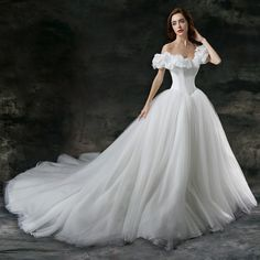New Word-shoulder Wedding dress Bridal gown Cinderella dress Size 2 4 6+++++++++