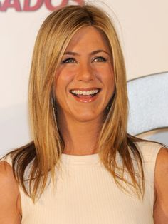 Jennifer Aniston hair and makeup