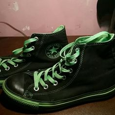 Converse sneakers These are size women s mens 6 converse high top sneakers  in black and green. Hardly ever worn but slightly dirty on the bottom and  on the ... 83c07517b