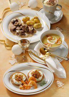 Festtags-Menü: Beuff Stroganoff, Blinis mit Lachstatar, Kartoffel-Selleriesuppe mit Scampi und Café Charentais