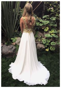 Vestido Gasa Chiffon con aplicación de Macrames en hilos metálicos dorados