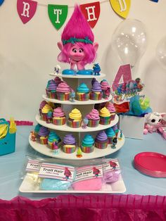 Norah's troll theme birthday 6th Birthday Parties, Birthday Bash, Birthday Ideas, Trolls Birthday Party Ideas Cake, Birthday Invitations, Cupcake Birthday, Third Birthday, Trolls Party, Troll Cupcakes