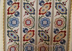 ΣΤΑΥΡΟΒΕΛΟΝΙΑ-CROSS STITCH - NASIA: Όλα τα χρώματα των Κυκλάδων σε ένα κέντημα!!! Cross Stitching, Cross Stitch Embroidery, Embroidery Patterns, Bargello, Rugs On Carpet, Needlepoint, Needlework, Bohemian Rug, Diy And Crafts