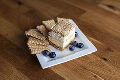 Statt in den Ofen, kommt der polnische 3-Bit-Kuchen, bei dem Butterkekse mit leckerer Creme aufgeschichtet werden, in den Kühlschrank.