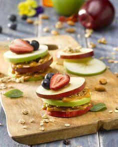 Manzanas con manjar y granola Granola, Sushi, Cheesecake, Ethnic Recipes, Desserts, Food, Fashion, Health Desserts, Sweet Recipes