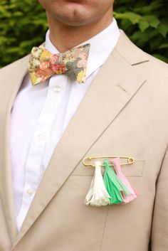 How cool is this alternative DIY boutonniere. Source: Brooklyn Bride #diy #boutonniere