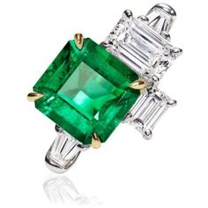 Harry Winston | Products | Jewels | Rings | Central Park by Harry... ❤ liked on Polyvore featuring jewelry, rings, emerald ring, 3 stone diamond ring, diamond rings, jewel rings and 3 stone emerald ring